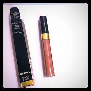 Chanel sweet beige 297 lip glossimer
